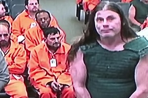 Ο Κιθαρίστας Των CANNIBAL CORPSE Εμφανίστηκε Με Προστατευτικό Γιλέκο Στην Δίκη Που Ακολούθησε Μετά Σύλληψή Του