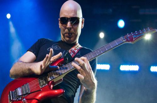 Ο JOE SATRIANI πλέκει το εγκώμιο της νέας γενιάς των κιθαριστών.